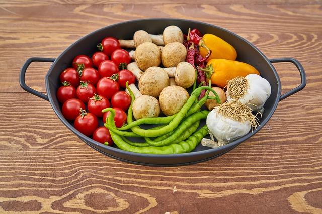 wok se zdravým jídlem