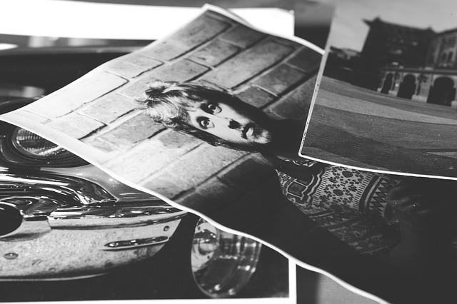 černobílý tisk fotografií